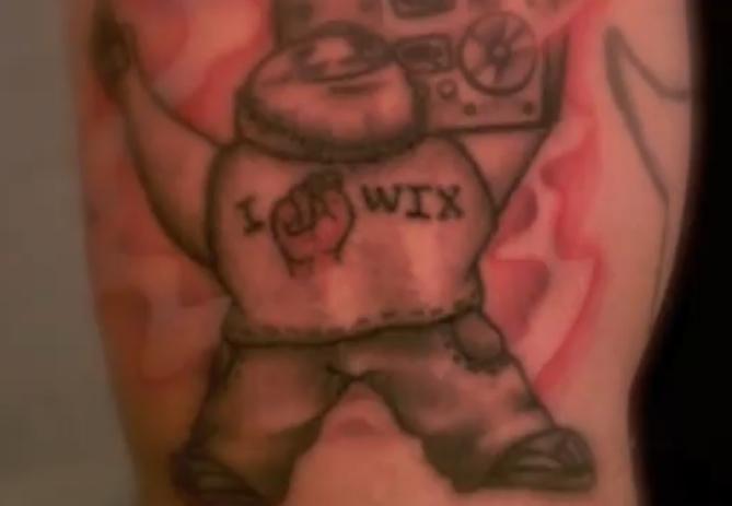 Tatuaje Amo a Wix